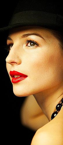Le maquillage beauté.