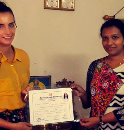 Mon diplôme d'Ayurveda et de pratique de massage Ayurvédique.